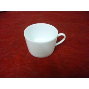 TASSE A CAFE / THE 22cl en porcelaine de LIMOGES