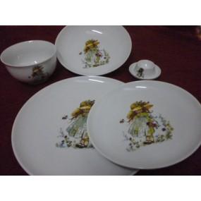 ENSEMBLE 5 pièces PETITE FILLE VERTE en porcelaine