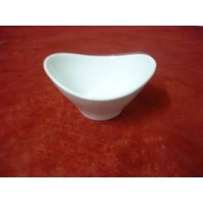 COUPELLE OVALE VAGUE en porcelaine blanche