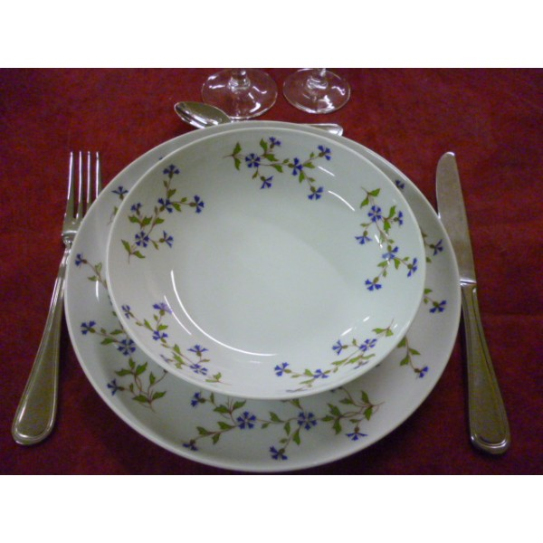 assiette plate decor barbeau fleurs bleues mod le elysee. Black Bedroom Furniture Sets. Home Design Ideas