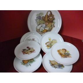 SERVICE A FROMAGE PLATEAU + 6 ASSIETTES rondes en porcelaine décors de fromage