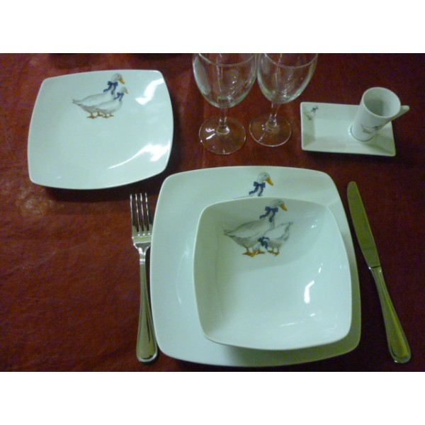 Assiette a dessert carr e sahara decor oies en porcelaine for Service de table japonais