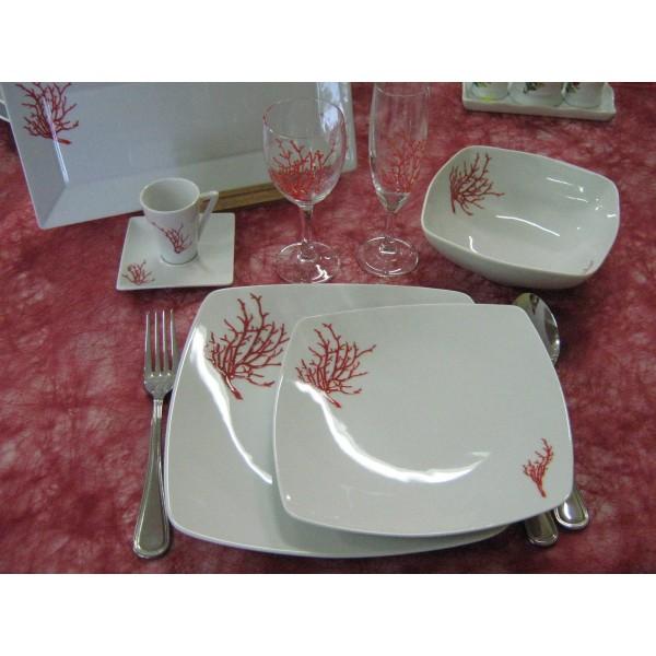 service de table vaisselle en porcelaine centre vaisselle porcelaine blanche et d cor e. Black Bedroom Furniture Sets. Home Design Ideas