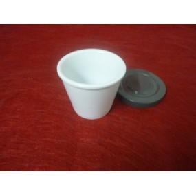GOBELET CONIQUE ou VERRE A DENT / DENTIER  en porcelaine blanche