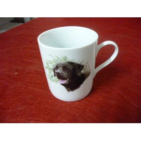MUG EMPIRE 25cl decor labrador en porcelaine  ( avec une anse fine)