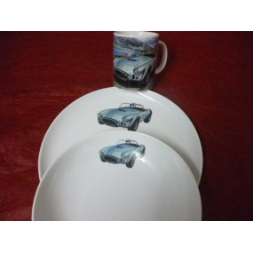SERVICE 2 ASSIETTES + MUG DECOR VOITURE la COBRA en porcelaine