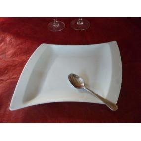 ASSIETTE A DESSERT TWIST en porcelaine blanche