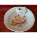 ASSIETTE  CHAUFFANTE DECOR LAPIN ROSE (bouchon ourson)en porcelaine