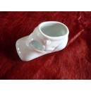 CHAUSSON de bébé en porcelaine blanche