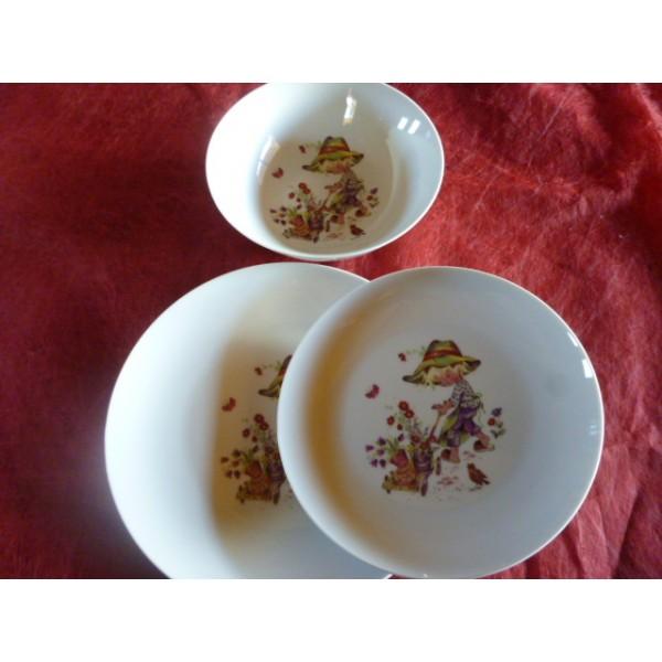 service 3 assiettes leo d cor poulbot petit jardinier en porcelaine centre vaisselle sarl la. Black Bedroom Furniture Sets. Home Design Ideas