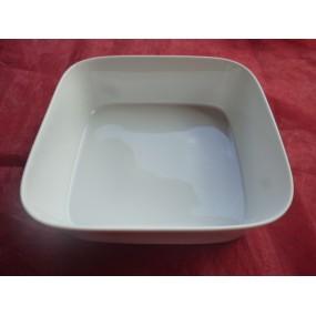 PLAT A FOUR OU SALADIER CARRE 23 x 23cm ht 6.8cm en porcelaine blanche