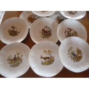 SERVICE 12 Assiettes à dessert  Modèle JASTRA en porcelaine décors CHASSE n°2