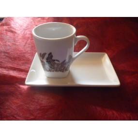 TASSE A CAFE CAPUCCINO 15cl  DECOR Chasse au choix avec soustasse rectangulaire en porcelaine