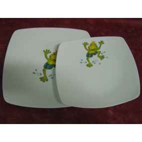 SET DE 2 ASSIETTES CARREES SAHARA en porcelaine DECOR GRENOUILLE