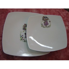 ENS 2 ASSIETTES CARREES en porcelaine DECOR PETIT FILLE PARME Modèle Sahara